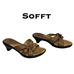 Sofft Leather Sandals Size 5M
